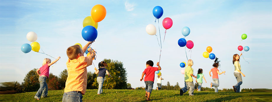 Kids Playing Balloons 1